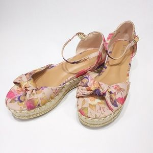 Bamboo NEW Infinity platform sandals floral fabric